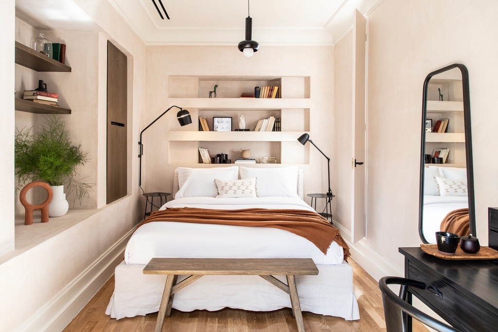 how to decorate a bedroom like a hotel