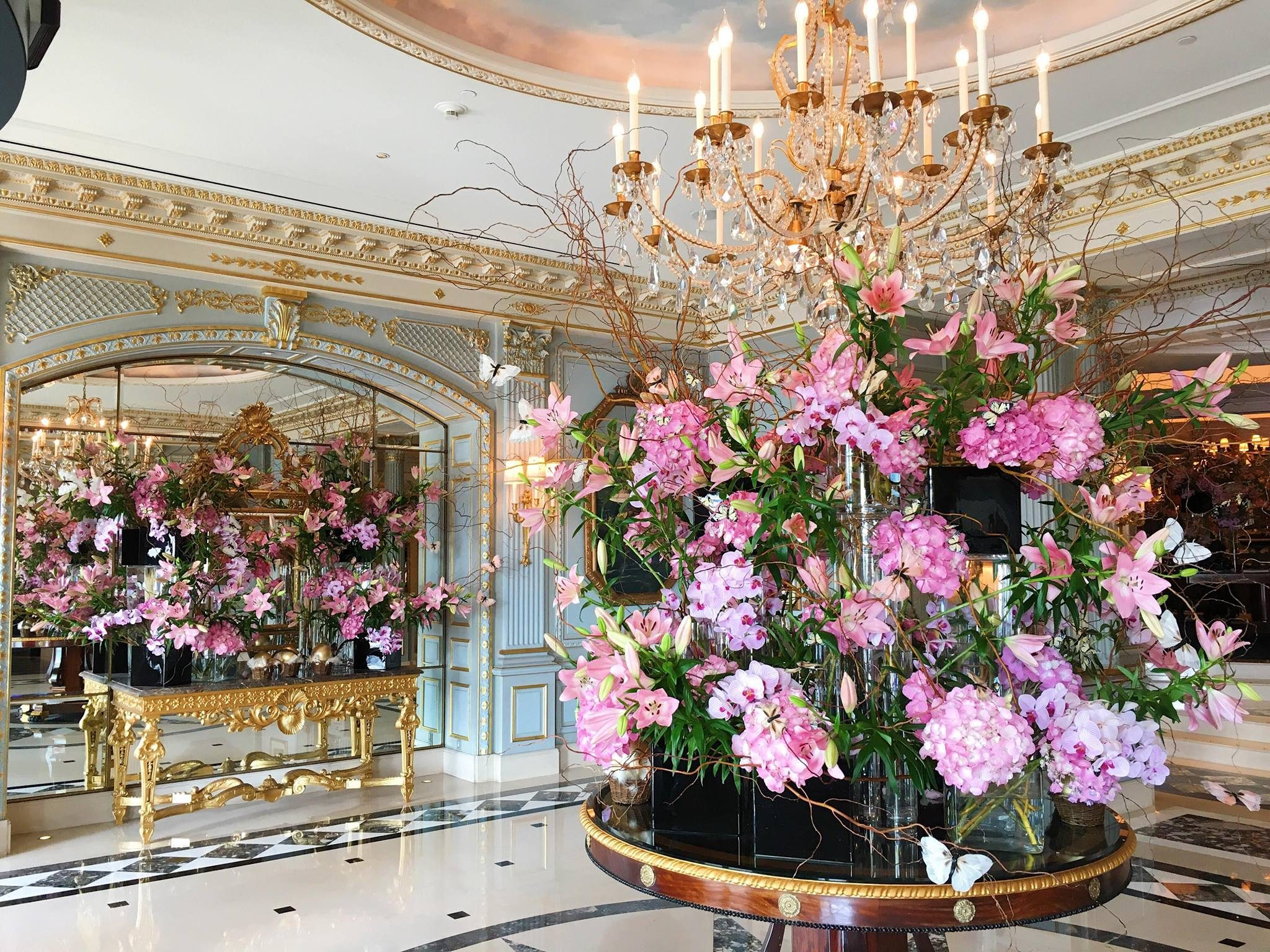 Best Flower Decorations Spotted In Top Hotels Worldwide