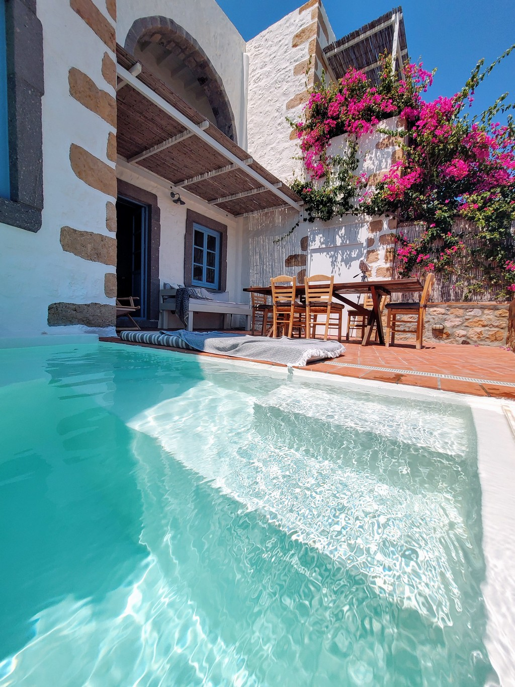 best traditional houses in Greece